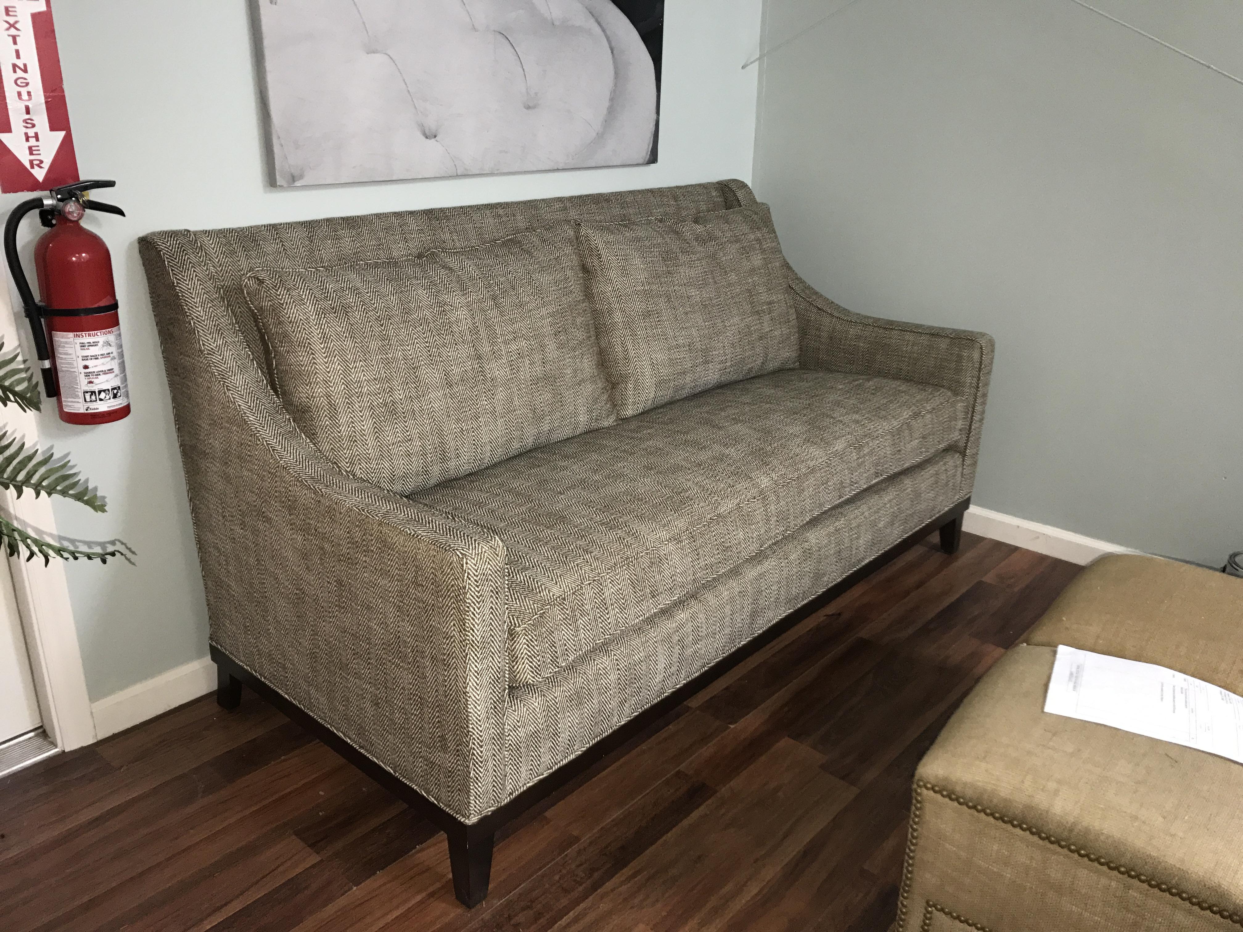 LS-211 – Lester Furniture Mfg